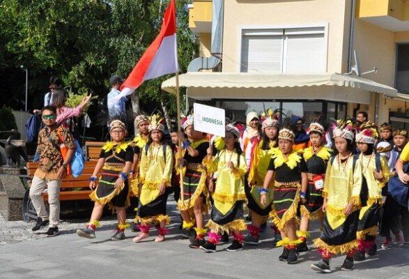 Parade delegasi Indonesia di Bulgaria International Mathematics Competition (BIMC) 2018