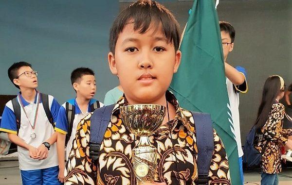 Peraih Medali Merit di Bulgaria International Mathematics Competition (BIMC) 2018, Arshanada Putranta dari SDK 6 PENABUR Jakarta