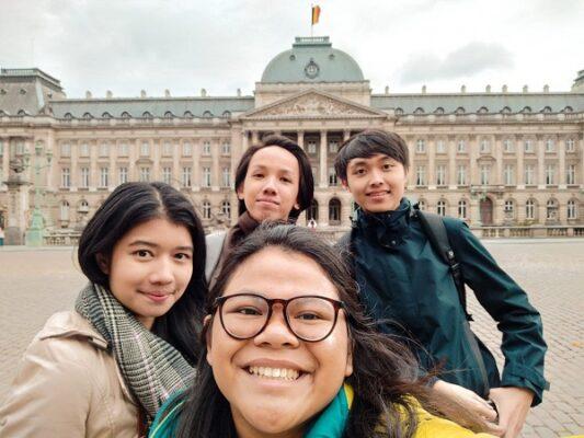 Ahmad Giras Wruhananing Bowo bersma teman-temannya asal Indonesia di Belgia