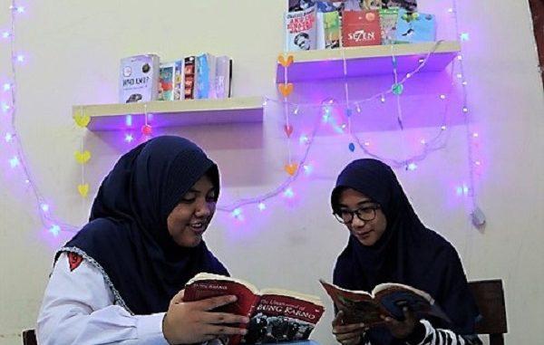 SMPN 1 Balikpapan Tingkatkan Literasi dengan Lomba Perpustakaan Mini