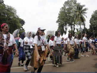 Makna di Balik Festival Sarung Indonesia 2019