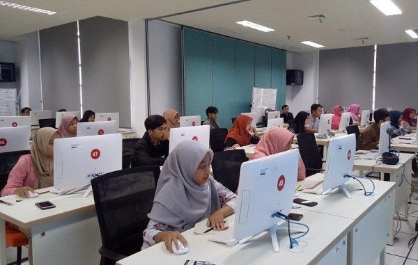 Simulasi Ujian Tulis Berbasis Komputer di Unusa Jemursari Surabaya
