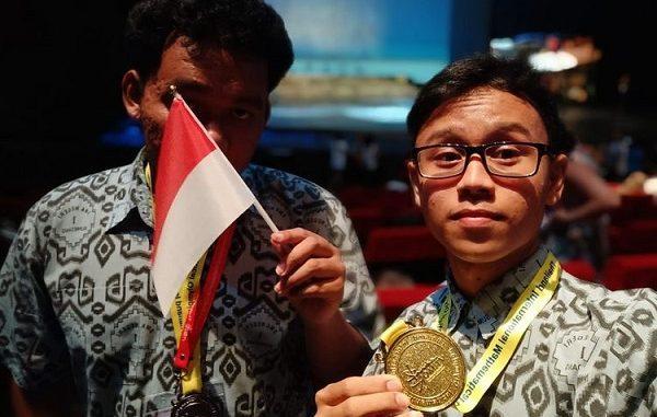 Revaldi Kurniawan berhasil meraih medali emas