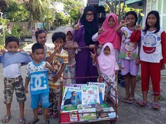 Seorang guru kelas V SD 003 Tenggarong, Kurnia Astuti,