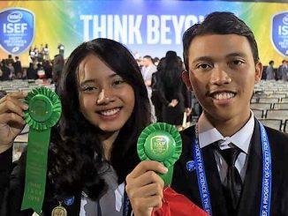 Carolline Mathilda Nggebu dan I Made Wiratathya Putramas dari SMAN 3 Denpasar