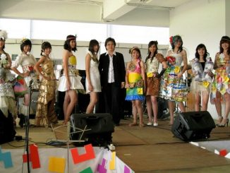 Peserta didik SMA Katolik Santo Aloysius 2 Bandung di ajang Lomba Ethnic Retro Party