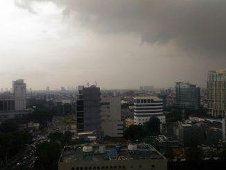 Mendung di langit Jakarta