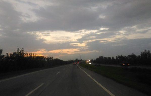 Jalan Tol Trans Jawa di waktu senja