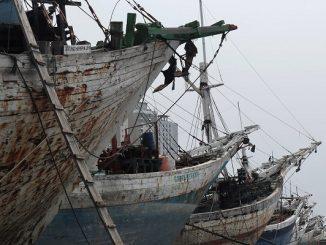 Kapal Tua di Pelabuhan Sunda Kelapa