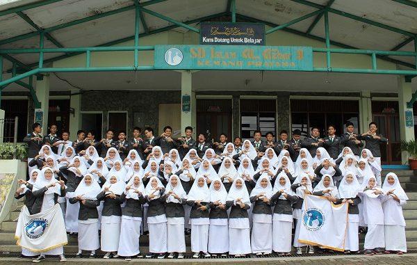 OSIS SMP Islam Al-Azhar 8 Jawa Barat