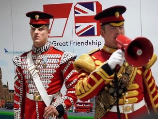 The Central Band of The Royal Airforce dan 1st Battalion of Grenadier Guards di Jakarta