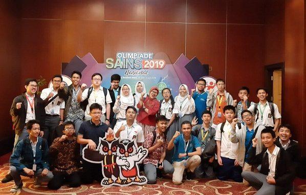Kontingen Jabar Peraih Medali OSN SMA 2019 Tingkat SMA/MA di Manado