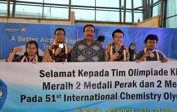 TTim Olimpiade Kimia Indonesia 51st International Chemistry Olimpiad (IChO) 21 Juli s.d. 30 Juli 2019 di Paris, Perancis
