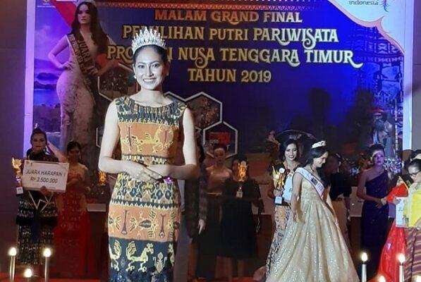 Clarita Mawarni Salem saat dinobatkan sebagai Putri Pariwisata NTT 2019 mewakili Kabupaten Timor Tengah Utara (TTU)