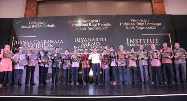 Para Penerima Sinta Award 2019 (Dok.Kemenristekdikti)
