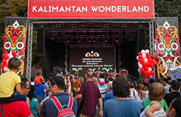 Pagelaran seni dan budaya Kalimantan Wonderland yang diselenggarakan oleh Kedutaan Besar Republik Indonesia (KBRI) Beograd pada 31 Agustus 2019