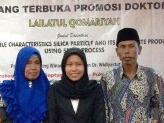 Lailatul Qomariyah bersama orangtuanya