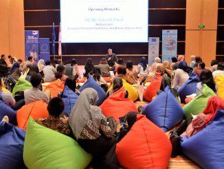 """Duta Besar Uni Eropa untuk Indonesia, Vincent Piket di acara Erasmus Days 2019 """"Today for Tomorrow"""" di Catur Dharma Hall, Menara Astra Jakarta, Sabtu, 12 Oktober 2019"""