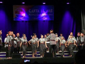 """Paduan Suara Mahasiswa Universitas Katolik Soegijapranata Semarang """"Gratia Choir"""" tampil di """"8th Canta Al Mar-Festival Coral Internacional 2019"""" Barcelona, Spanyol"""