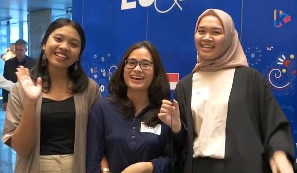 Penerima Beasiswa Pertukaran Mahasiswa EU SHARE Scholarship di Polandia Yanti Octaviani (IPB 2013), Shafira Rizki Ramdhayani (UI 2015), dan Annisa Bella Putri (BINUS 2015) di Erasmus Day 2019, Menara Astra Jakarta, Sabtu, 12 Oktober 2019