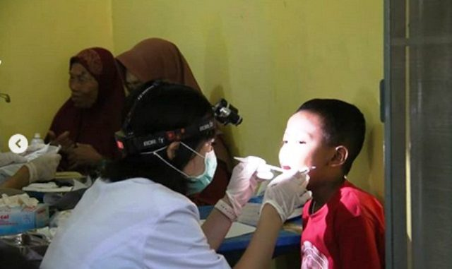Pengobatan dan pemeriksaan gigi dan mulut gratis oleh FKG Universitas Trisakti Jakarta