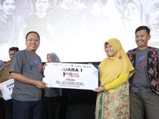 Penyerahan hadiah Kompetisi Film Dokumenter Bidikmisi