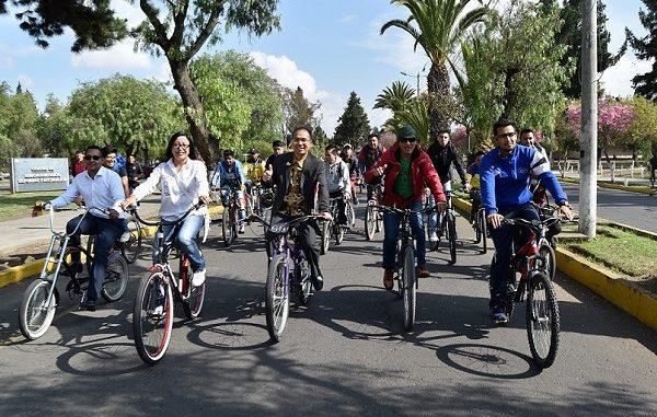 Delegasi UI GreenMetric menikmati jalanan di Ekuador