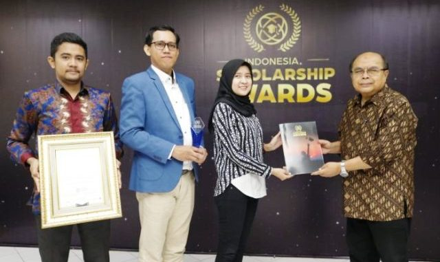 Baznas menerima Indonesia Scholarship Award 2019. (Dok Baznas)