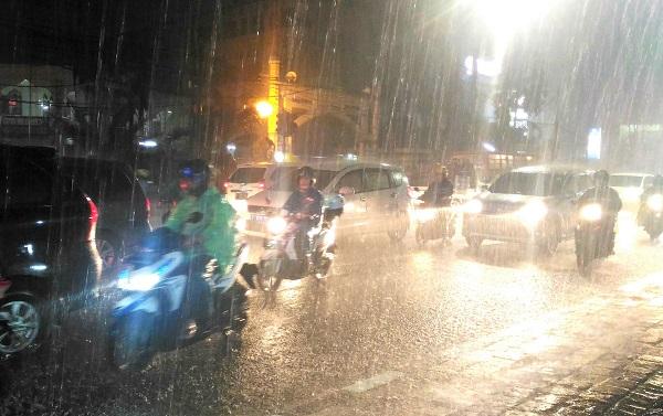 Musim hujan tiba