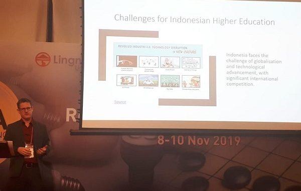 Matthew Malcolm - Dekan FLA UPH Wakili Indonesia Bahas Penerapan Liberal Arts