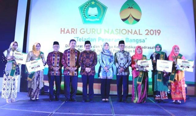 Para peraih Anugerah GTK Madrasah Berprestasi 2019. (Dok. Kemenag)