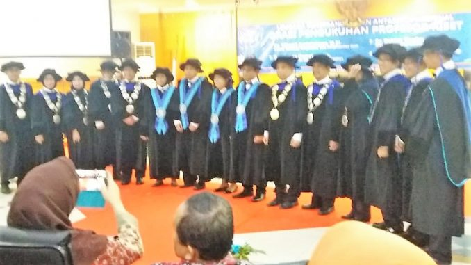 Para profesor usai Orasi Pengukuhan Profesor Riset di Balai Pertemuan Dirgantara, Kantor LAPAN Pusat, Jakarta, Kamis, 14 November 2019