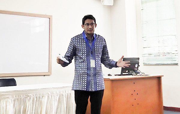 Sandiaga Uno memberikan paparan dalam presentasi pada Konferensi INCOGITE 2019 yang berlangsung di UPH