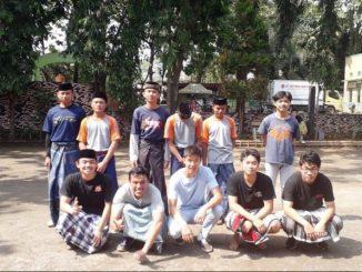 Siswa SMA Kolese Kanisius Jakarta bersama para santri. (Dok. Pesantren Cinta Rasul)