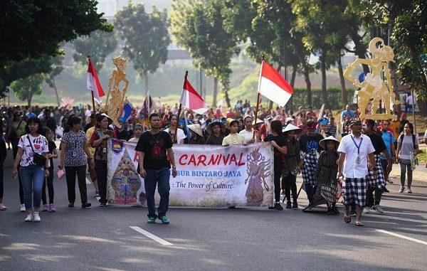 """The Power of Culture """"Batik Carnival"""" di Jalan Boulevard Bintaro (depan sekolah BPK PENABUR Bintaro Jaya), Minggu, 17 November 2019, pukul 06.00 — 09.00 WIB."""