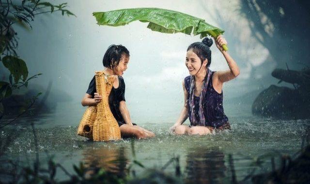 Ilustrasi: Tips Jalan-jalan saat Musim Hujan. (Ist.)
