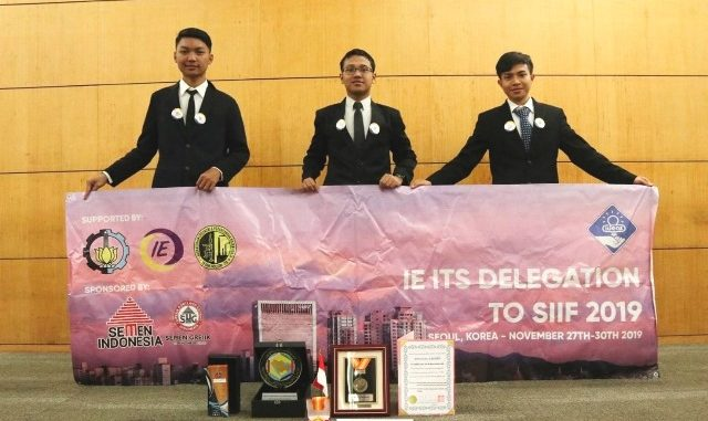 Tim dari Institut Teknologi Sepuluh Nopember (ITS), lagi-lagi menyabet penghargaan dan medali emas dalam gelaran Seoul International Invention Fair (SIIF) 2019 di Korea. (Dok. ITS)