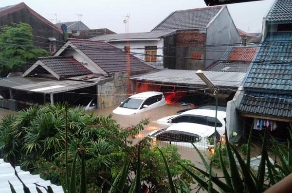 Banjir Trending Topic Inilah Lokasi Terlengkap Di Jakarta Dan Bekasi Yang Dikepung Banjir Http Www Kalderanews Com