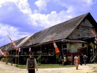 Rumah Betang Sungai Utik. (kalderanews.com/y.prayogo)