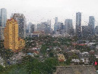 Hujan di Kota Jakarta