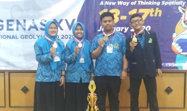 MAN 2 Kota Malang Raih Emas Olimpiade Geografi 2020. (Dok. Man 2 Malang)