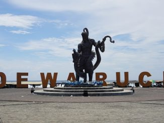 Keelokan Patung Dewa Ruci di Pantai Jatimalang Purworejo