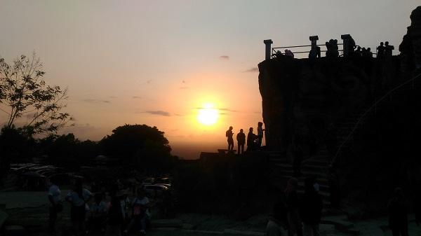 Keindahan Sunset di Tebing Breksi Yogyakarta