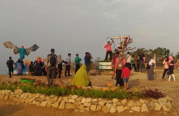 Taman di Atas Tebing Breksi Yogyakarta