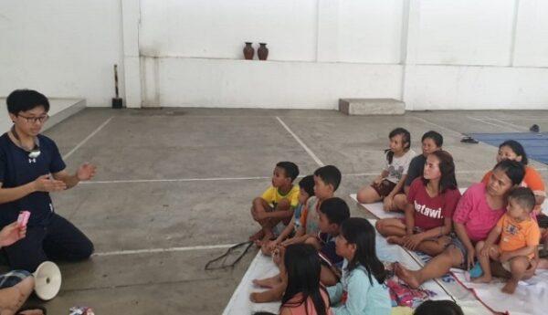 Tim MEDISAR Unika Atma Jaya membuka posko korban banjir. (Dok, Unika Atma Jaya)