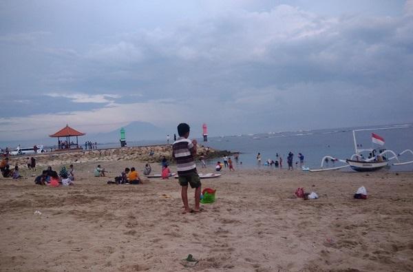 Sanur Beach di Bali