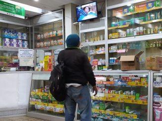 Warga yang mencari masker dan hand sanitizer di sejumlah klinik di Jakarta harus kecewa karena stock habis, Rabu, 18 Maret 2020