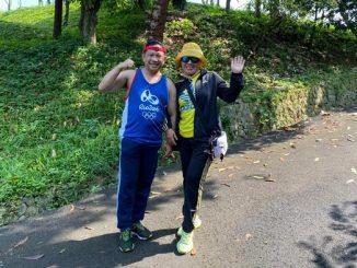 Mendagri Tito Karnavian bersama isteri tercinta Tri Suswati Karnavian yang sedang melakukan olah-raga pagi (jogging) di sebuah kawasan asri dan hijau, Minggu, 15 Maret 2020