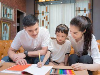 Ilustrasi: Mendampingi anak belajar di rumah. (Ist.)