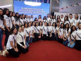 Para finalis Putri Indonesia 2020 mengikuti workshop literasi pasar modal saat pembukaan perdagangan Bursa Efek Indonesia